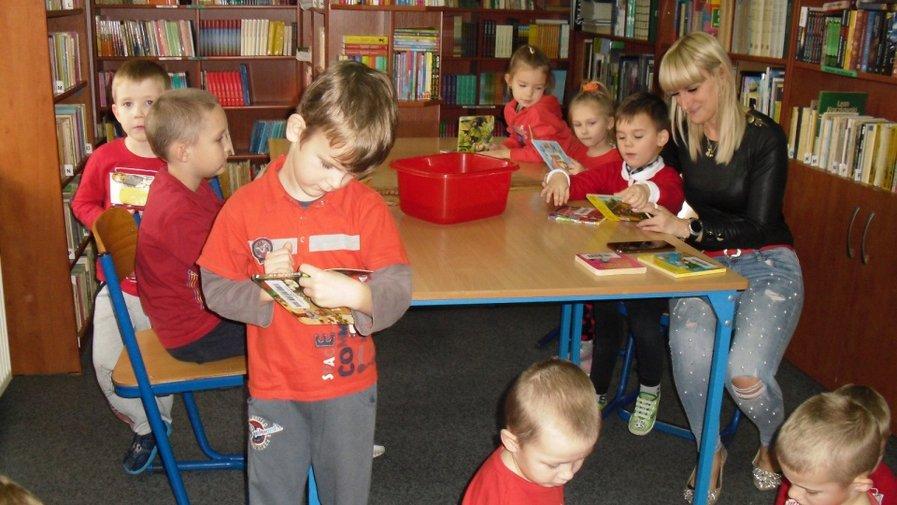 Filia Benice - Przedszkolacy z Wielowsi z wizytą w bibliotece