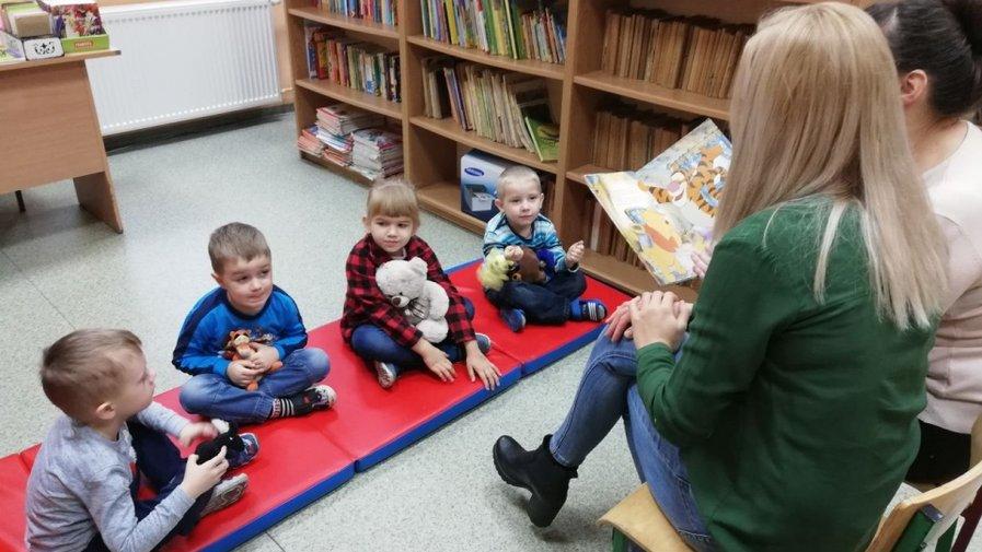 Filia Orpiszew - Wizyta dzieci z Oddziału Przedszkolnego w Jasnym Polu
