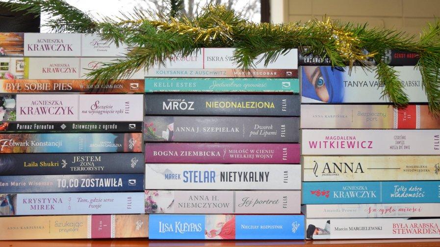 Nowości wydawnicze DUŻE LITERY w Wypożyczalni dla Dorosłych w Krotoszyńskiej Bibliotece Publicznej